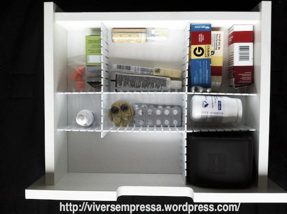 organizar gaveta de remédios