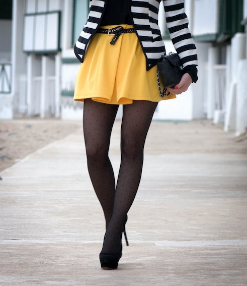 http://www.aplacetogetlost.com/black-and-white-striped-blazer-with-a-touch-of-yellow/