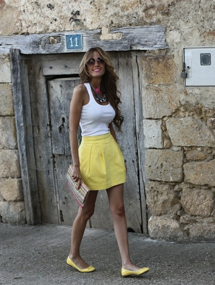 http://indulgy.com/post/OATQmBYuP1/yellow-skirt