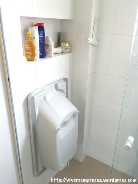 Truques para aproveitar e organizar espaços da casa com um bebê pequeno – Viv -> Como Organizar Um Banheiro Com Banheira