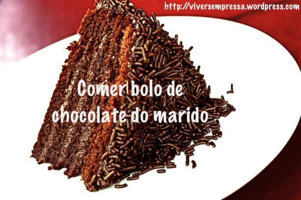 Fonte: http://www.jandira.com/pt/receita/83/11/sobremesa/bolo-de-brigadeiro.html